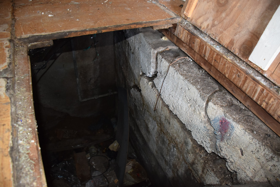 Foundation issues - Warning Signs