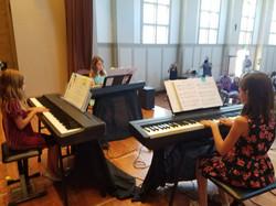 recital 3 girls