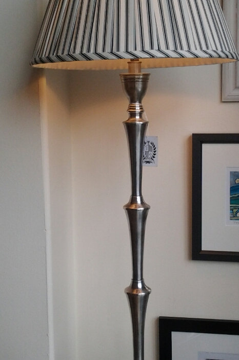 Catteau Lamp Base