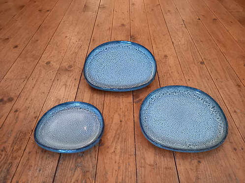 Low Dish - Black/Blue And White