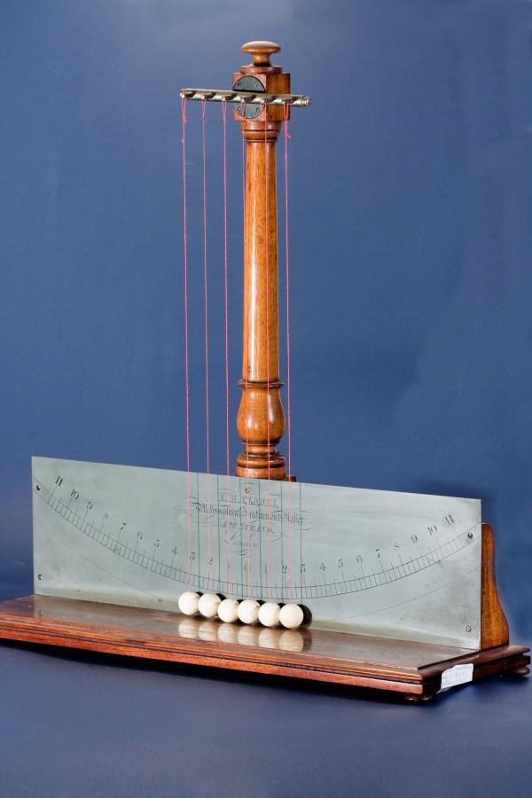 Pendolo di Newton 05.JPG