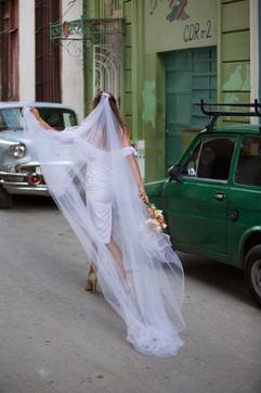 Azizi s/s2020 Cuba .jpg