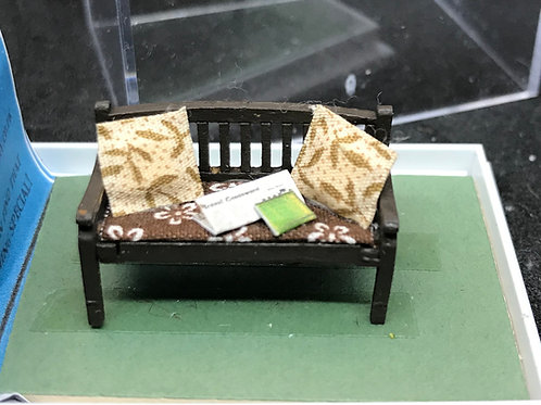 1/48th  - GARDEN BENCH BRW