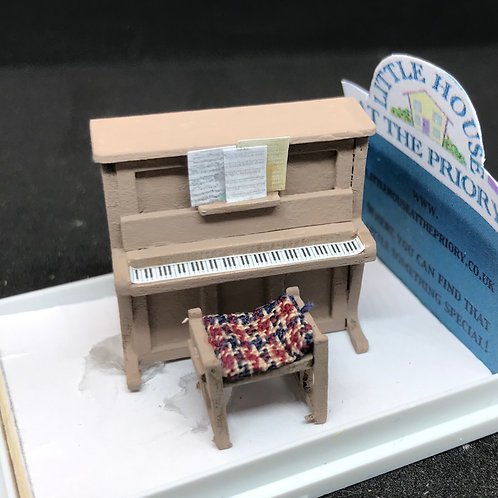 1/48th  - PIANO UPRIGHT