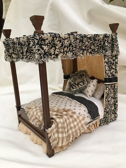 Double Four Poster Bed - Charlotte