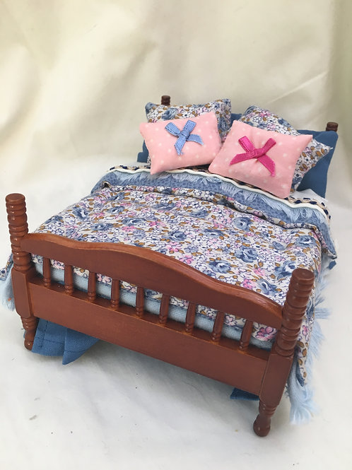 Double Bed - Laura