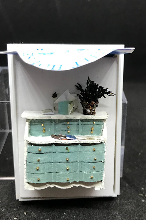 1/48th  - DESK - LADIES GREEN