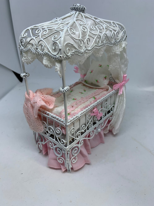 1/12th White Wire Pink Cot