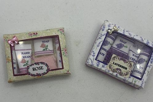 Scented Toiletries Box x1