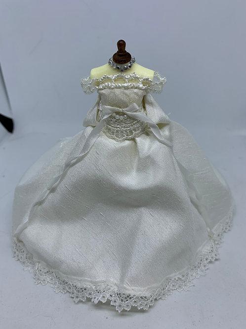 Wedding Dress on Mannequin (Long Train)