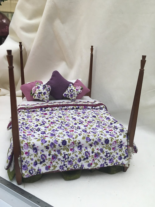 Double Poster Bed - Felicia