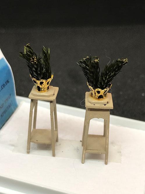 1/48th  - PLANT STANDS S/2 CREAM