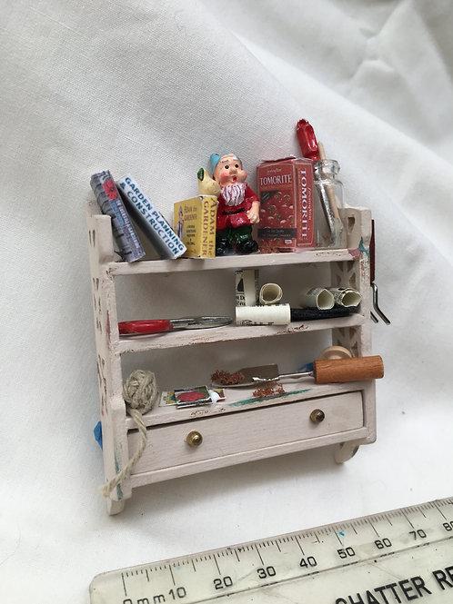 Gardeners Shelf