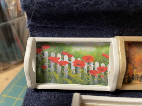 Tray poppies