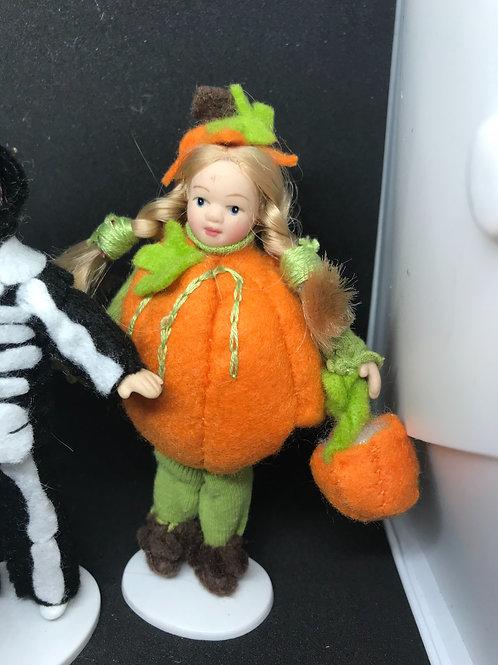 Polly the Pumpkin - Halloween dresses doll