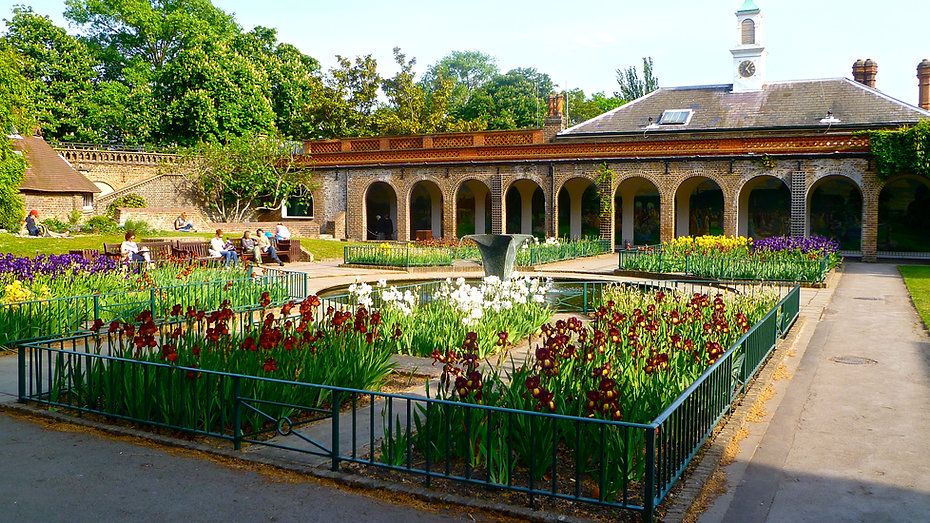 Holland Park_Herry Lawford_Flickr.jpg