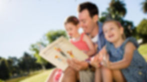 Reading-storytelling-with-babies-childre