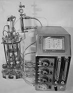 controller_and_bioreactor-768x1053_edite