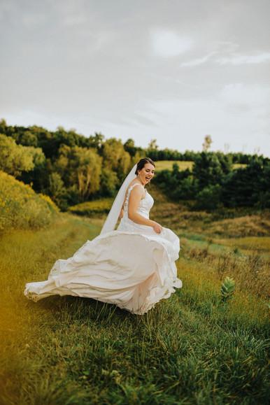 Blair Wisconsin Outdoor Unposed Lifestyle Wedding Photographer Monarch Valley