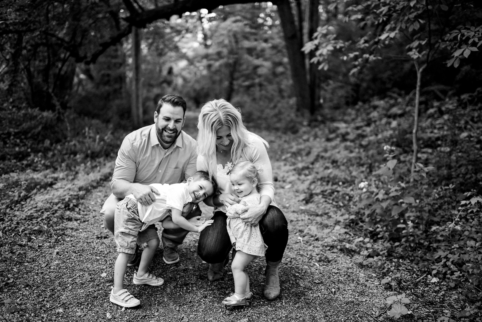 Irvine Park Chippewa Falls Wisconsin Outdoor Unposed Lifestyle Family Photographer