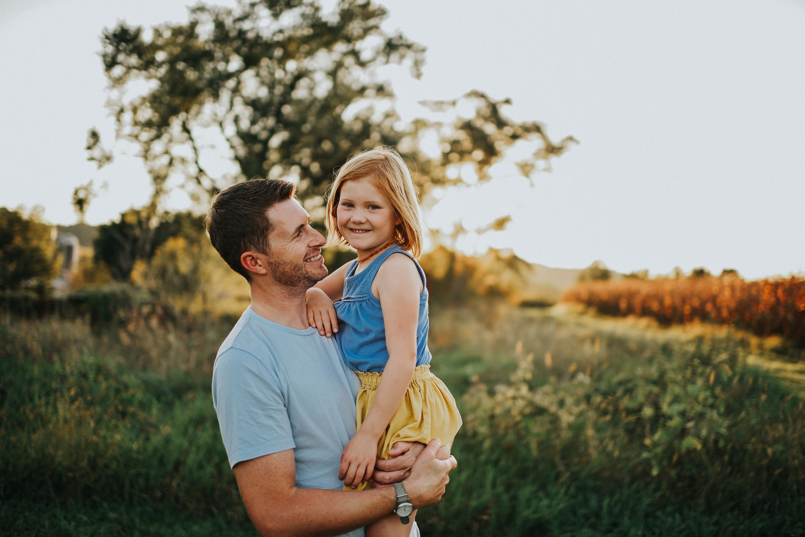 Independence Wisconsin Outdoor Unposed Lifestyle Family Photographer