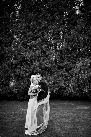 Chilton Wisconsin Outdoor Unposed Lifestyle Wedding Photographer