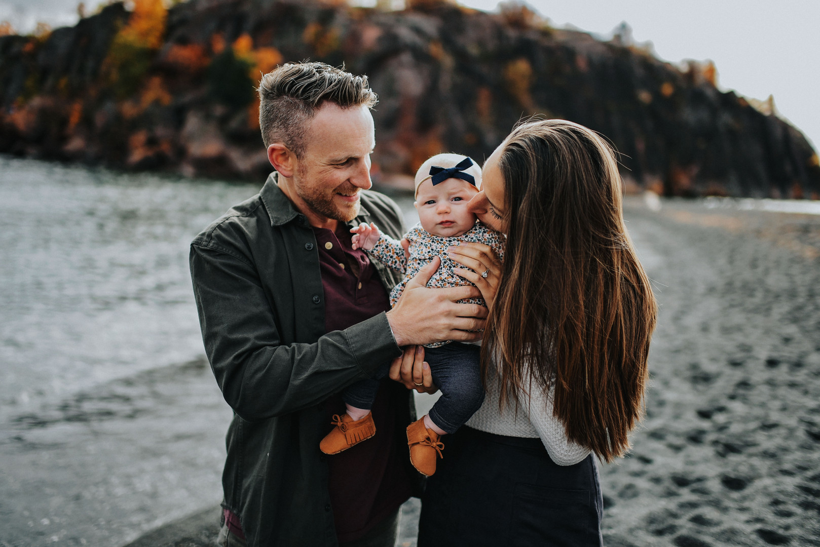 Silver Bay Duluth Minnesota Outdoor Unposed Lifestyle Family Photographer