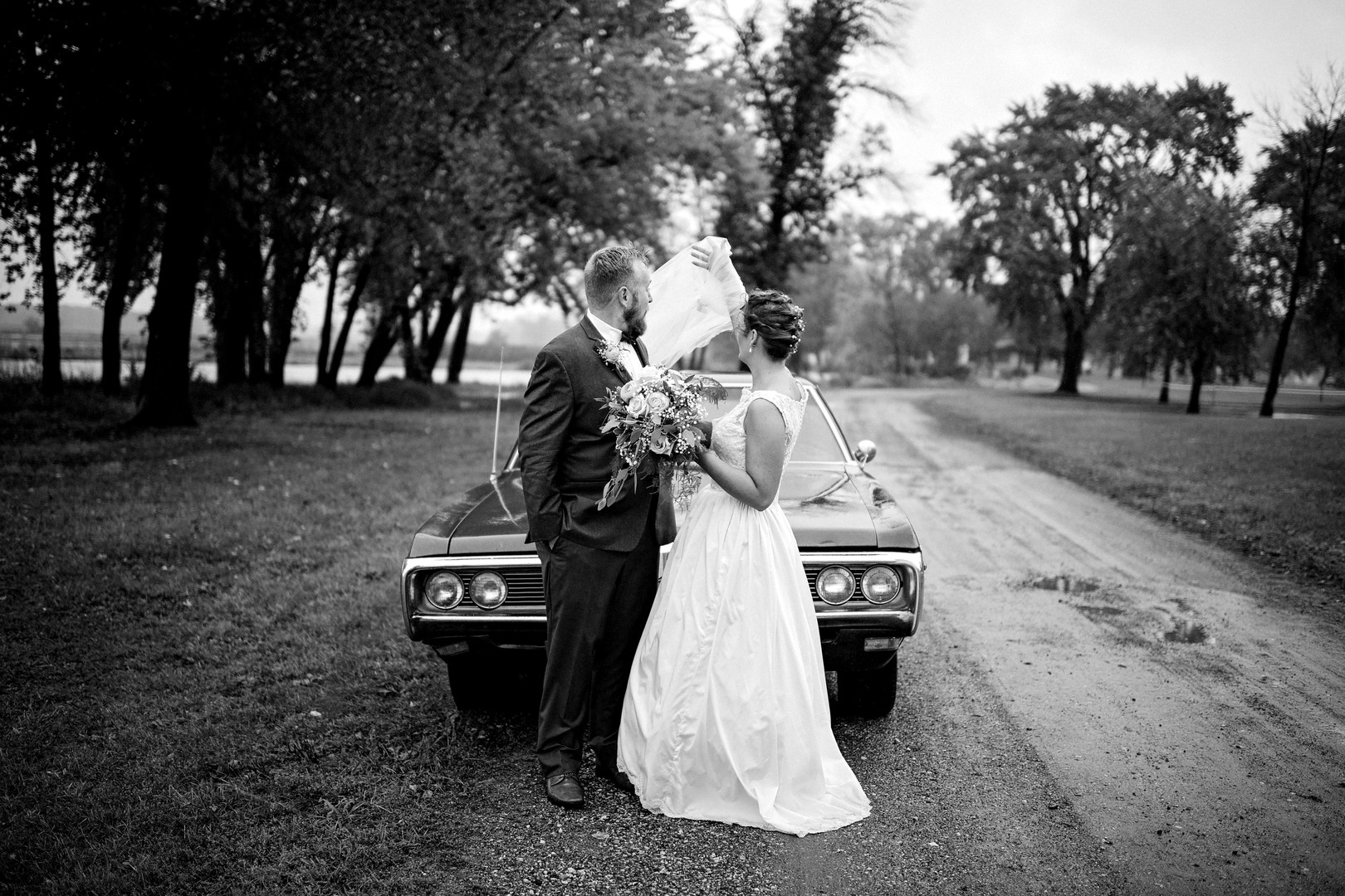 La Crosse Wisconsin Outdoor Unposed Lifestyle Wedding Photographer