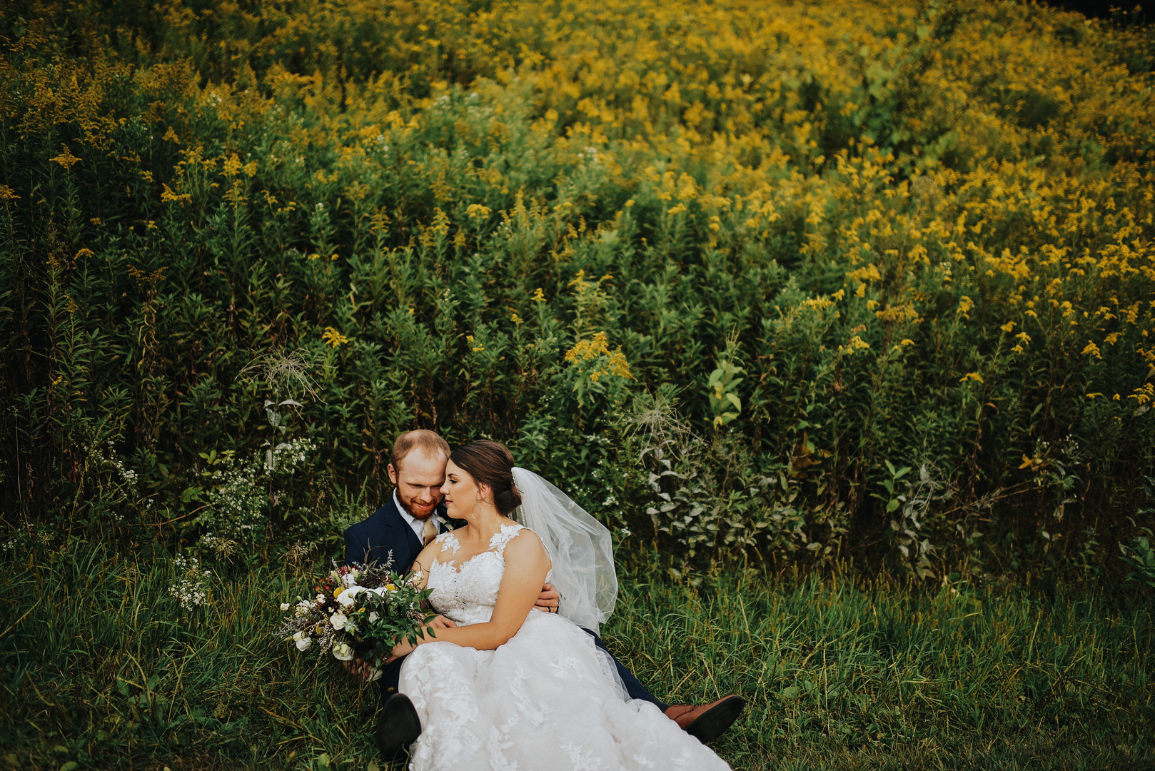 Blair Wisconsin Outdoor Unposed Lifestyle Wedding Photographer Monarch Valley