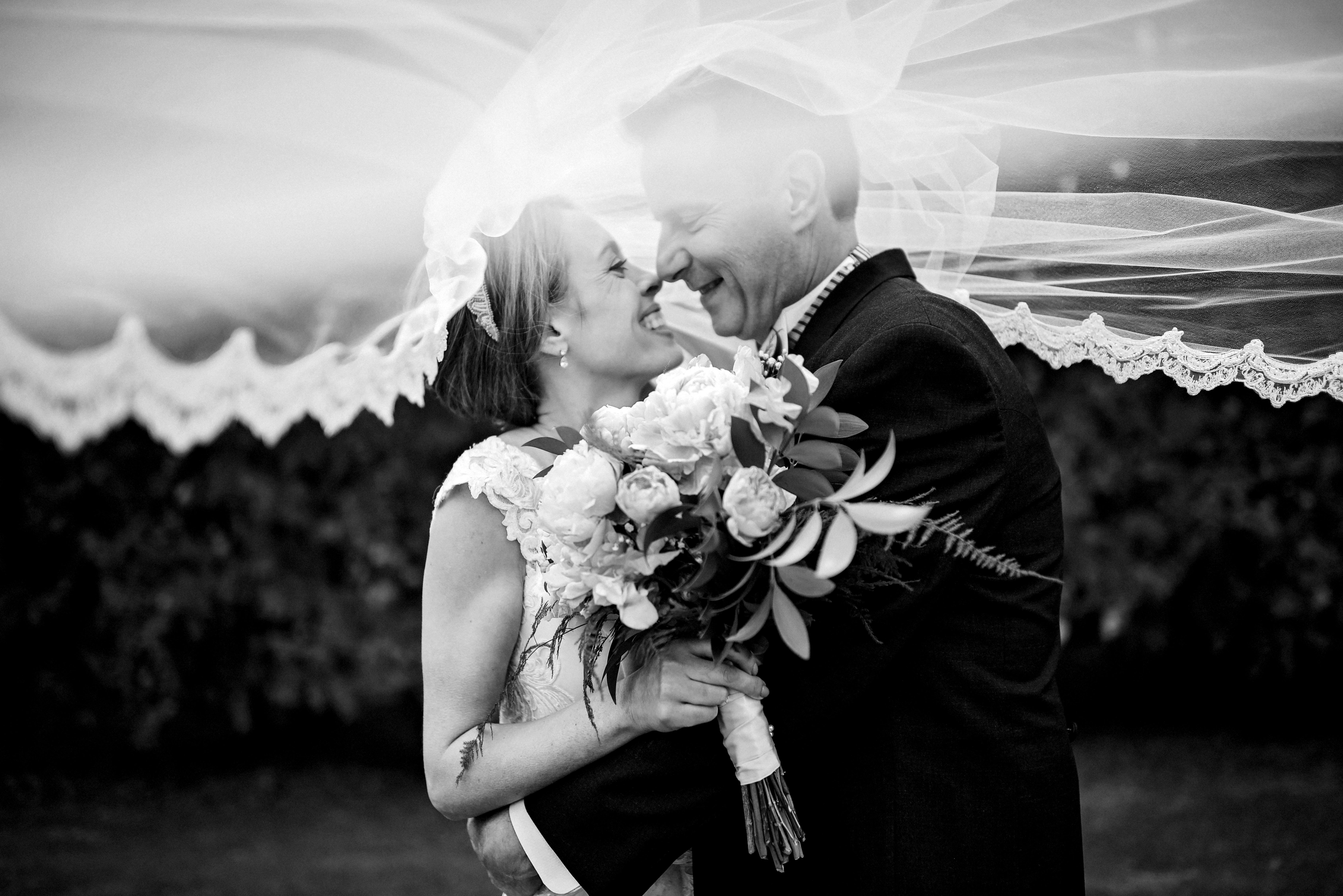 Wisconsin Outdoor Unposed Lifestyle Wedding Photographer