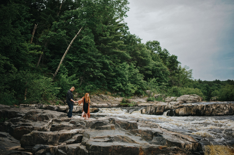Eau Claire Wisconsin Outdoor Unposed Lifestyle Engagement Photographer Big Falls