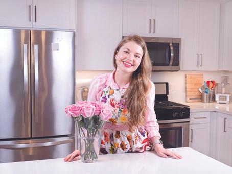 """Інтерв'ю з Галиною Цах, неперевер-шеною майстринею кухні та блогу """"Дома смачніше"""""""