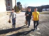 (foto) Elevii liceului din satul Mereni, Anenii Noi, și-au sădit propria livadă în curtea școlii.