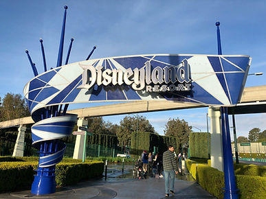 IMG-Disneyland-Pedestrian-Entrance-Harbo