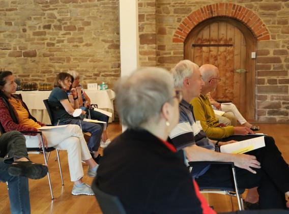 Keep Moving   Taiji-Therapie   Training im Kloster bei Bewegungsstörungen.JPG