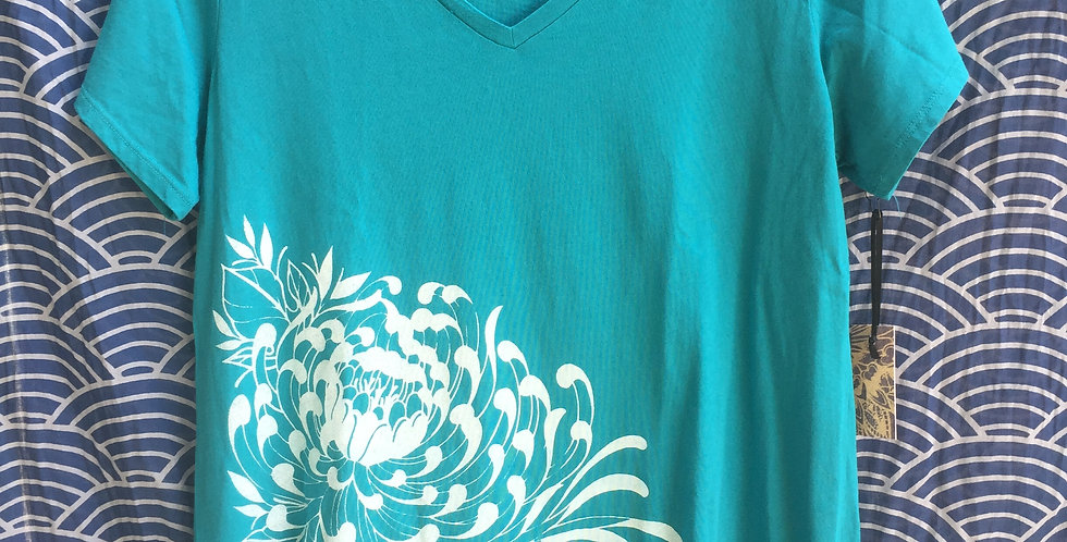 Chrysanthemum // Turquoise v-neck tee // white