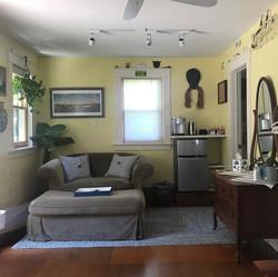 Narragansett-Beach-Rental_living-area