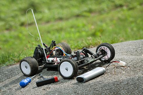 remote control car repaire.jpg