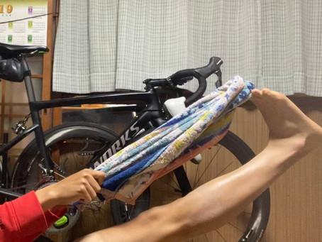 超簡単‼️                               ロードバイク初心者(成人)は足首が硬すぎる!     フィッテングにありがちな 足首問題の解決ストレッチ‼️