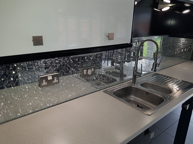 Silver cracked glass splashbacks available in Liverpool, Formby, Mersyside, Northwest