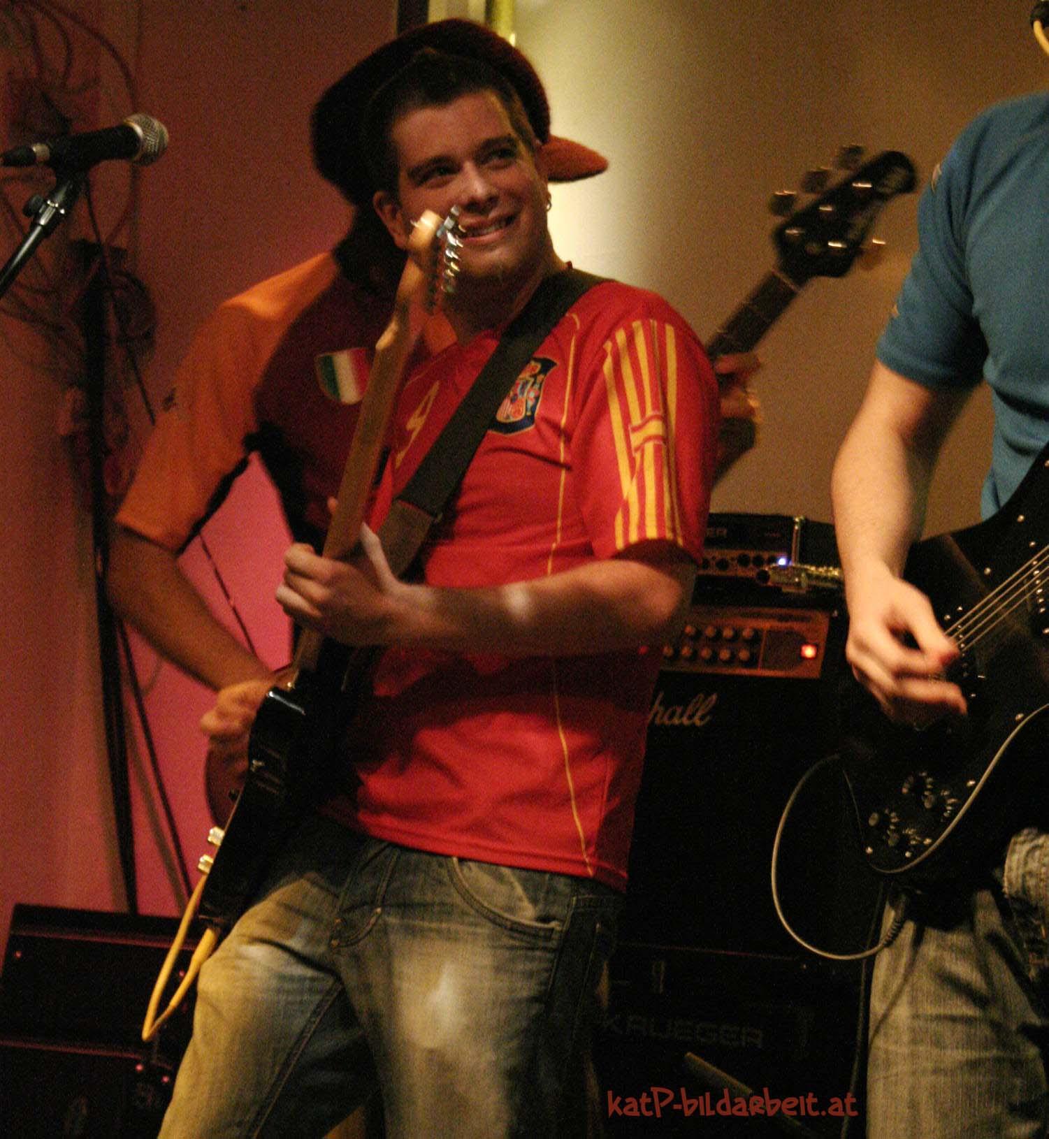 4 2009TuewiGrenzenlos guitarSoundDiary by katP.jpg