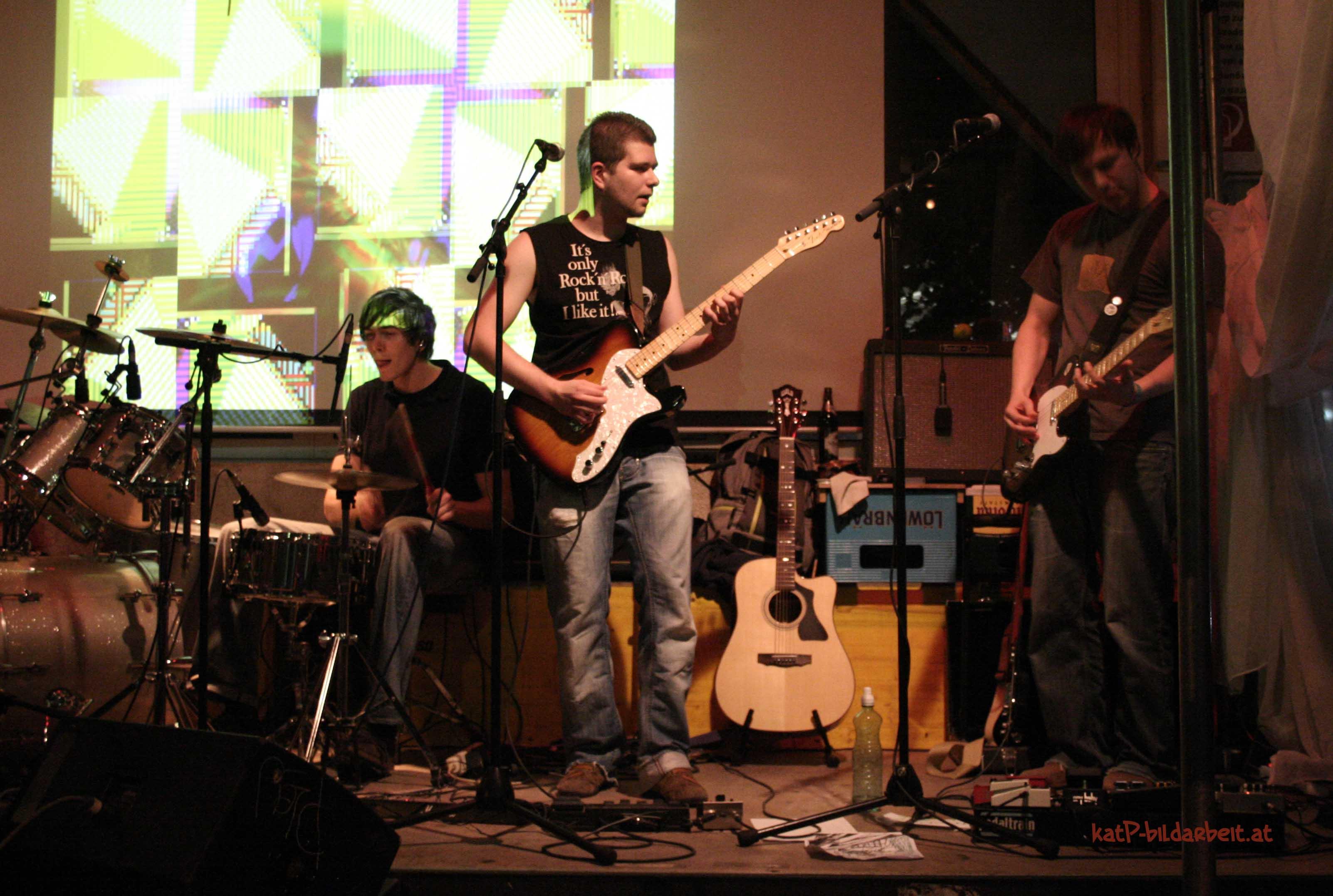 2 2010FlucGigArtWerk guitarsSoundDiary by katP.jpg
