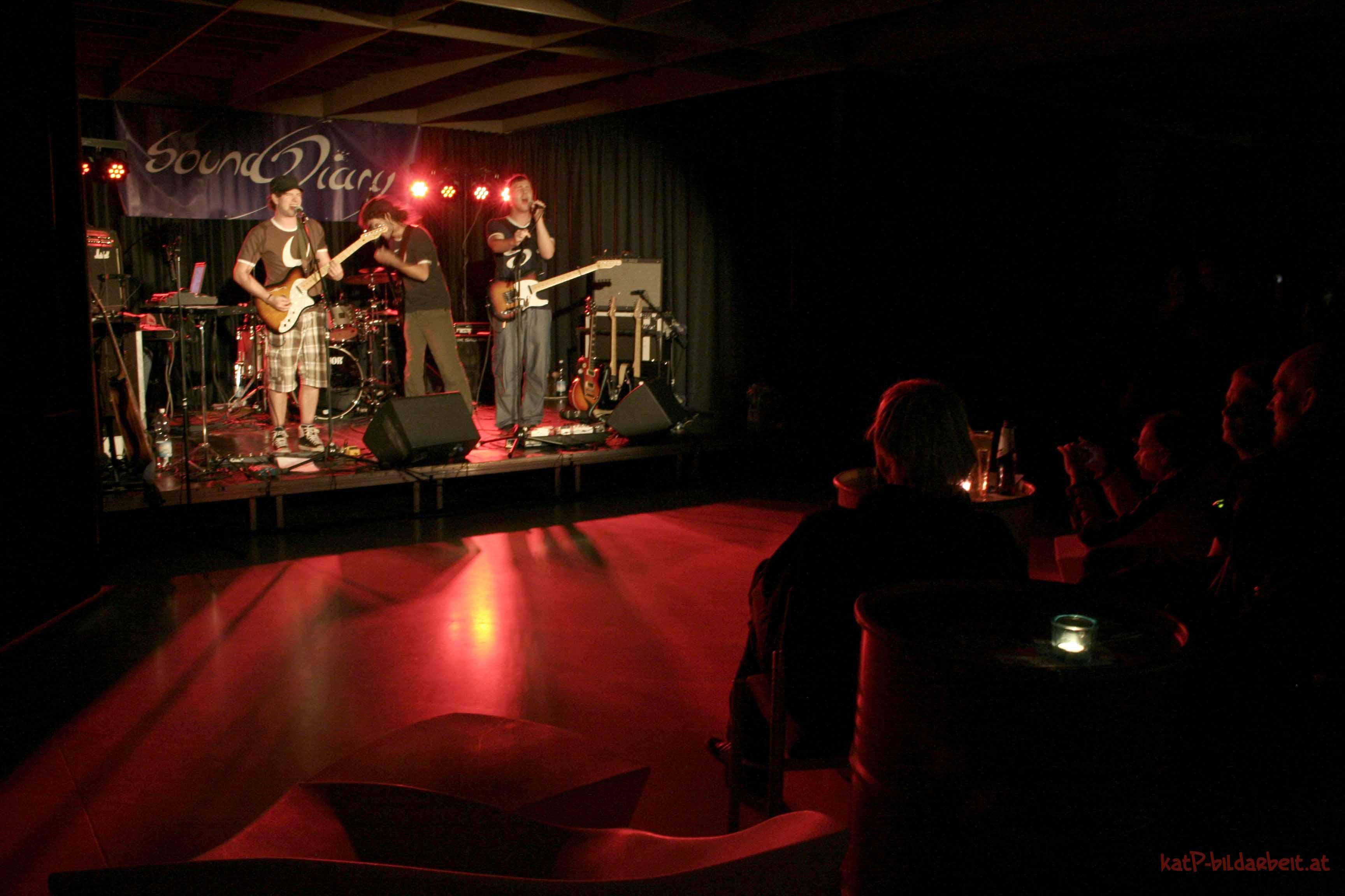 2 2011VoecklabruckStadtsaal Audience SoundDiary by katP.jpg