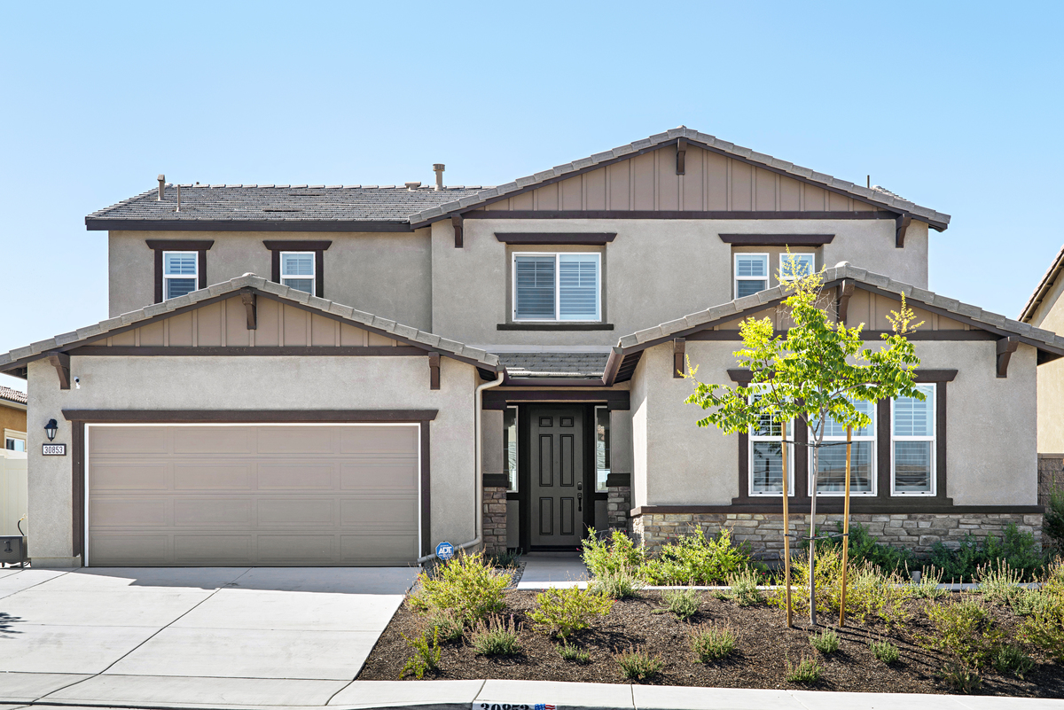 Red Spruce St. Murrieta