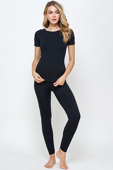 The Everyday Classic Cozy Leggings and Top Set in Black