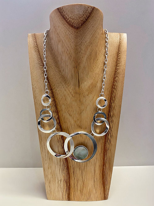 Necklace with interlocking circles in silver tone (N10358 S)