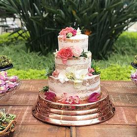 Semi Naked Cake, massa tradicional, rech