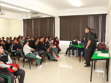 Llevan pláticas de salud a estudiantes del Cecytech 8