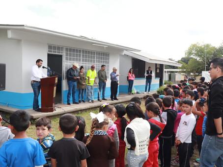 Inauguran seis aulas en comunidades rurales