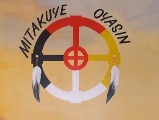 Mitákuye Oyás'iŋ
